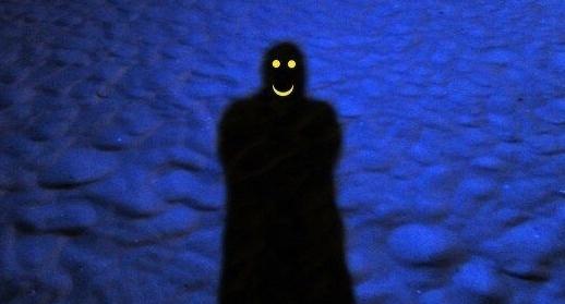彡(。)(゜)「夜は怖いぞ、ふははは」
