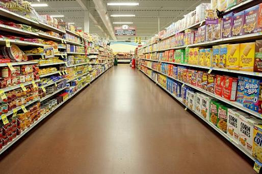スーパーなど、「特別手当」相次ぐ 従業員間で膨らむ感染リスク不安、クレームストレ